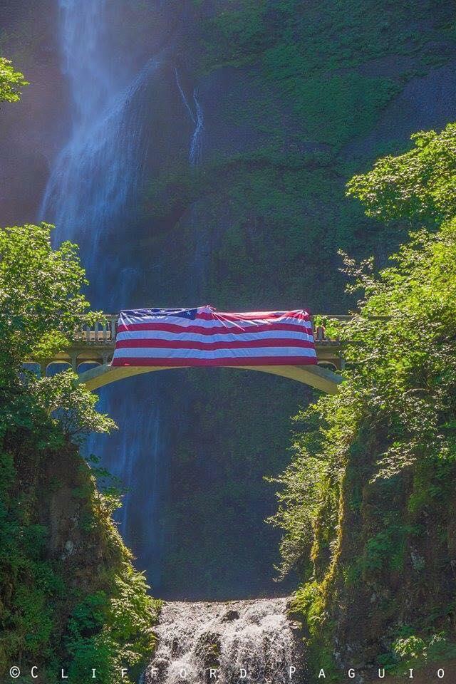 Waterfalls Memorial Multnomah Falls